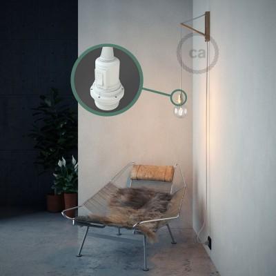 Lav din egen RM01 Hvid Viskose Snake til lampeskærm og bring lyset hen, lige hvor du vil have det.